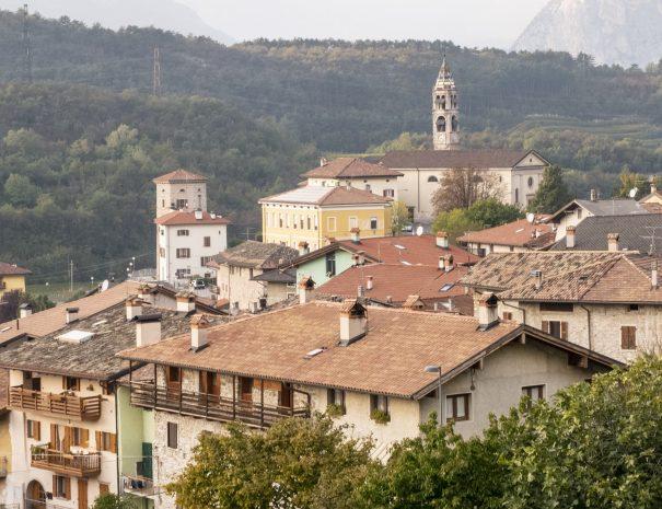 Un tranquillo borgo a due passi dal Lago di Garda nel centro del Trentino