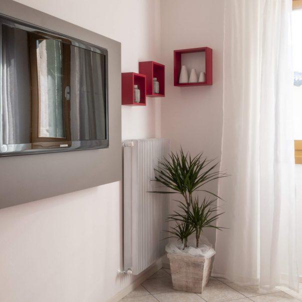 La Casa Verde Apartment - Living Room detail-min