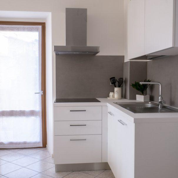 La Casa Verde - Apartment kitchen detail-min
